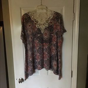 Avenue Plus Top. New never worn. Stretchy fabric.